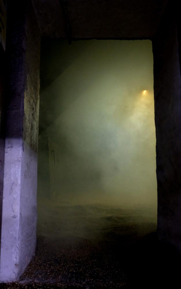 Gerste trocknet im Torfrauch