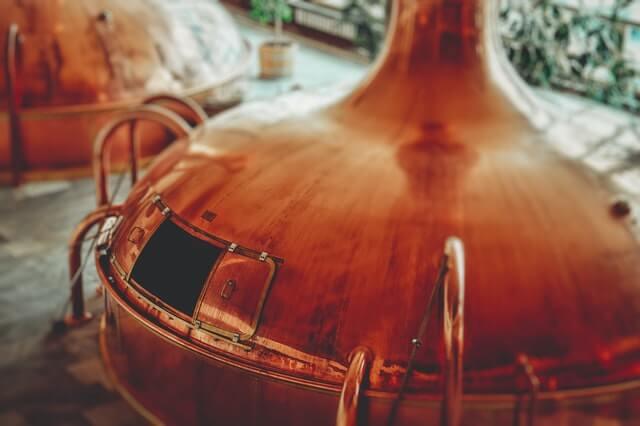 kupferne Brennblase zur Whiskyherstellung