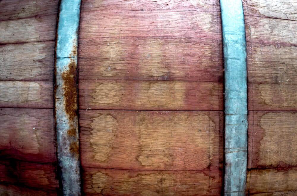 Whiskyfass aus Holz mit 2 Ringen