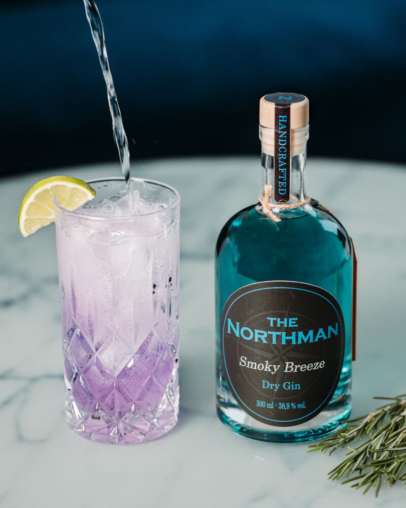 The Northman Gin Smoky Breeze mit Cocktail