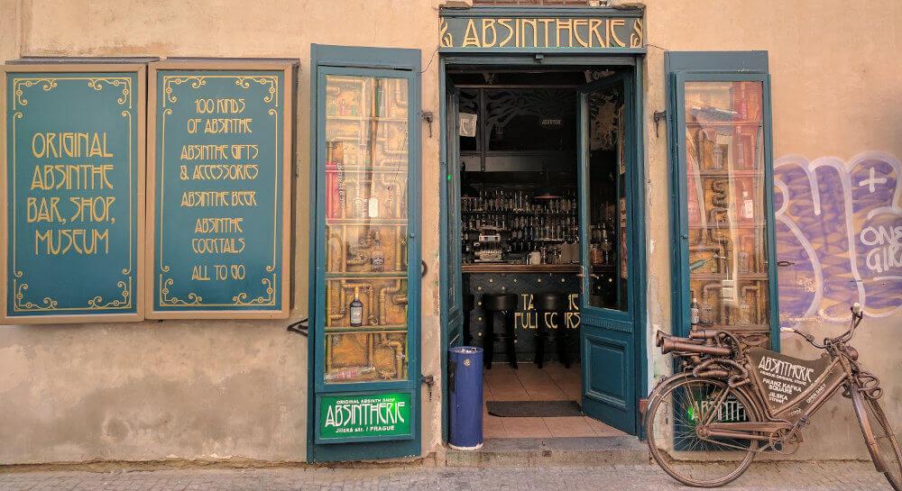 Geschäft um Absinth und Wermut kaufen zu können