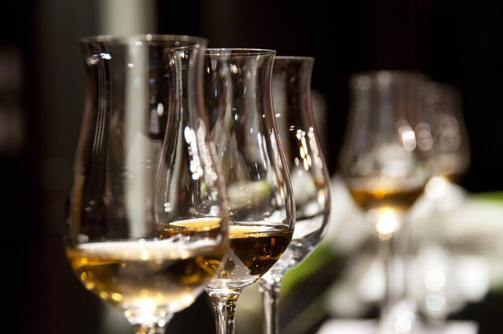 Gläser für ein Whisky Tasting, Gin Tasting und Rum Tasting