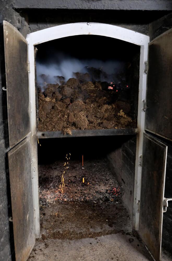 Ofen für das Torffeuer bei Laphroaig